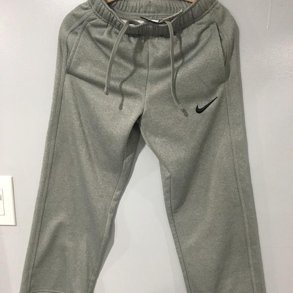 New Boys Nike Thermal,Fit grey sweatpants